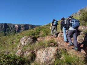hiking_trekking_blue_sky_217232